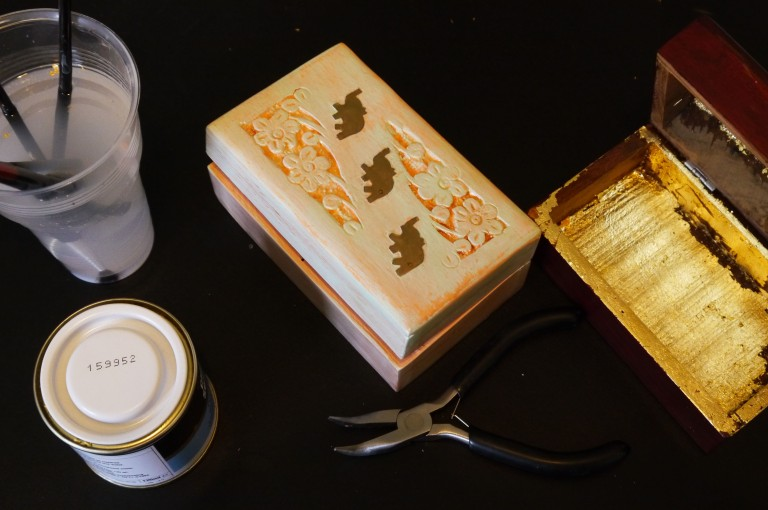 WiP_Refurbishing two Indian tea boxes